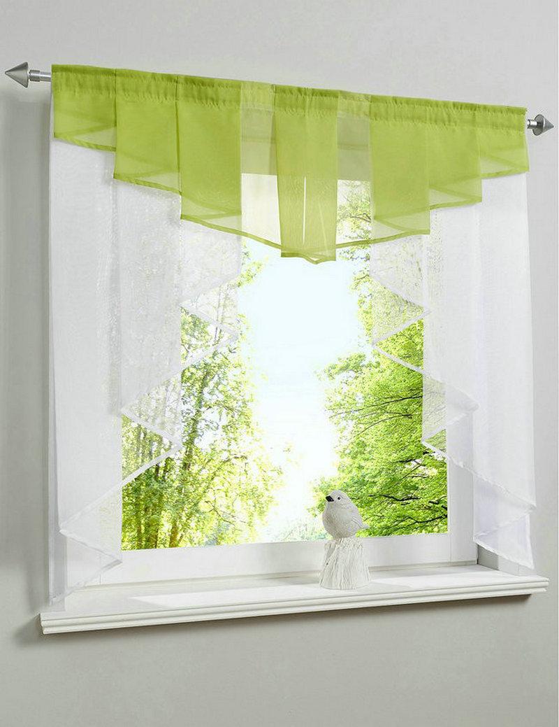 Тюль для балкона с окнами в пол.