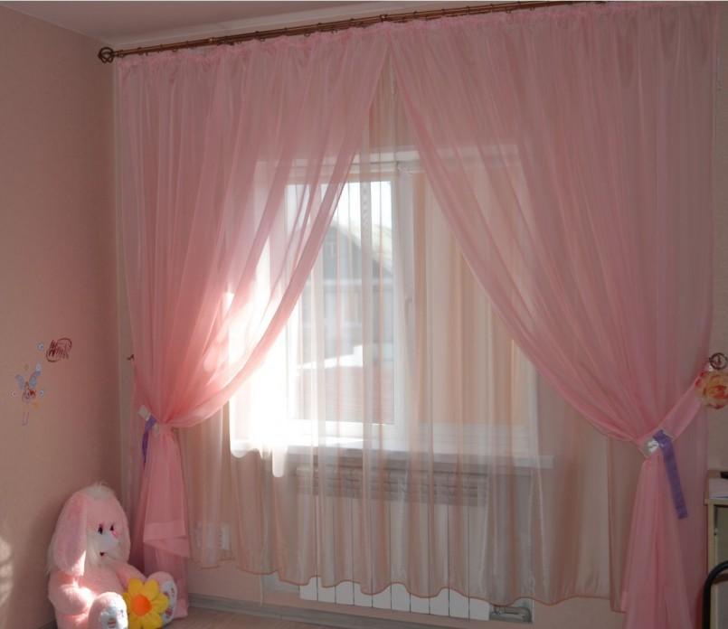 Шторы в спальню из вуали двух цветов